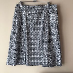Tori Birch Skirt with inverted pleats and pockets